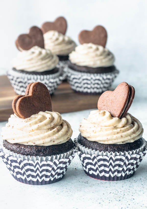 oreo cupcakes with cookies and cream frosting and homemade Oreo cookie