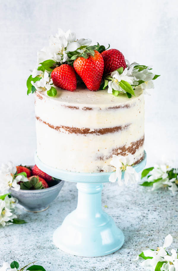 How Do You Make Strawberry Cake From Scratch