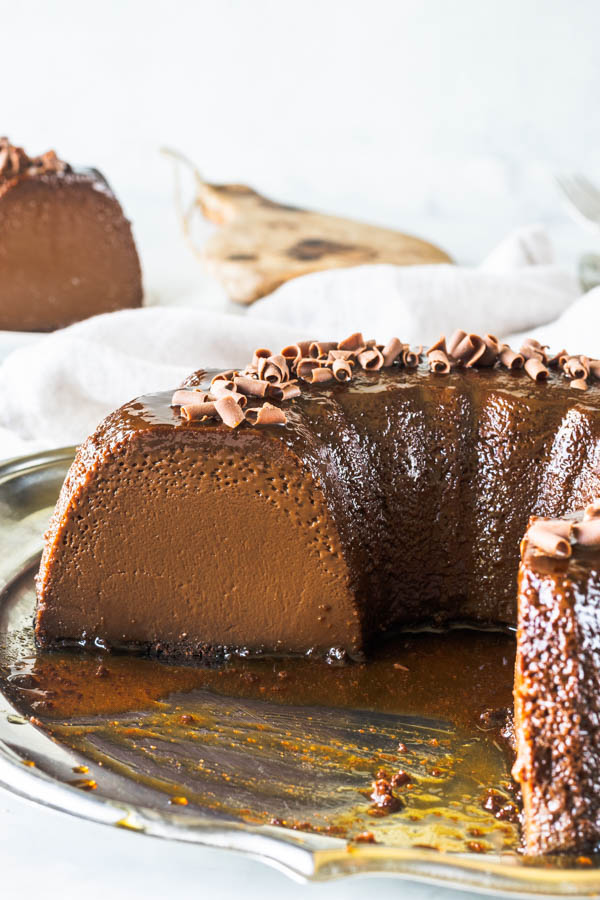 picture of sliced chocolate flan