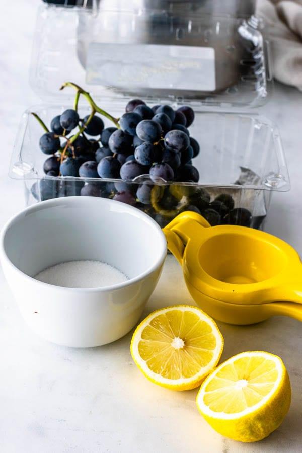 ingredients to make grape jam