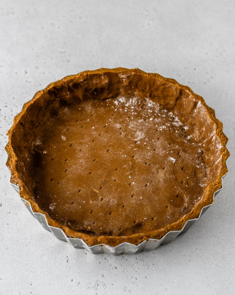 pie plate lined with a gingerbread crust dough.