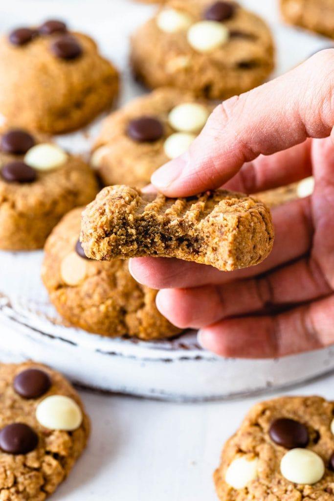Macaron Flour Cookies